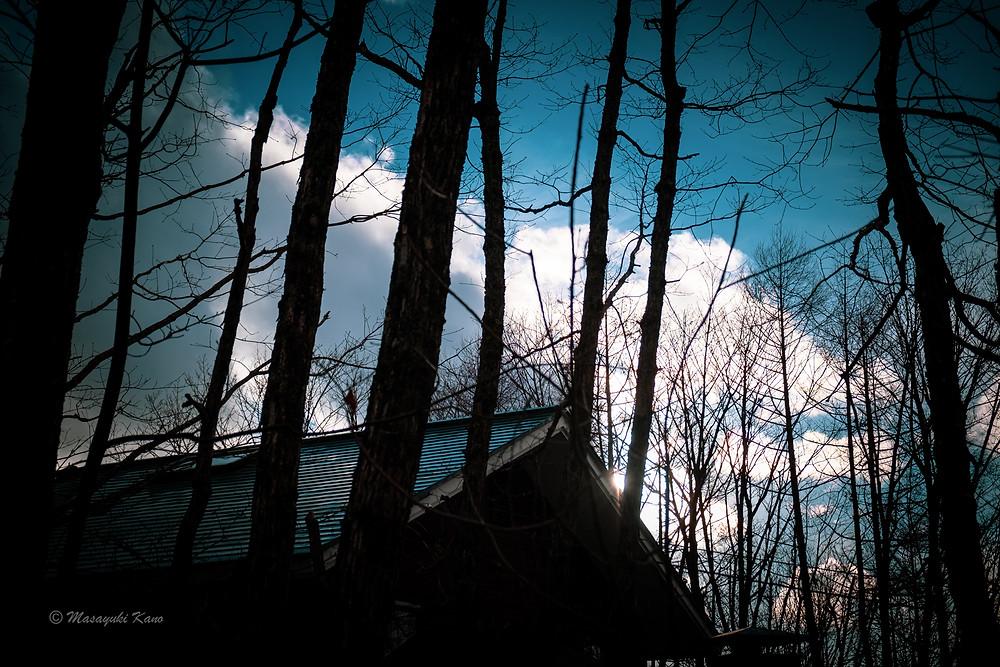 雪の季節を迎えるの蓼科高原標高1700メートル