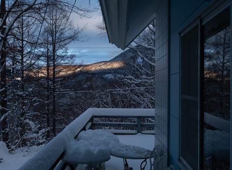 突然の初積雪25センチ!一面の銀世界に一変!