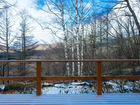 初雪が初積雪になりました。蓼科高原標高1700m。
