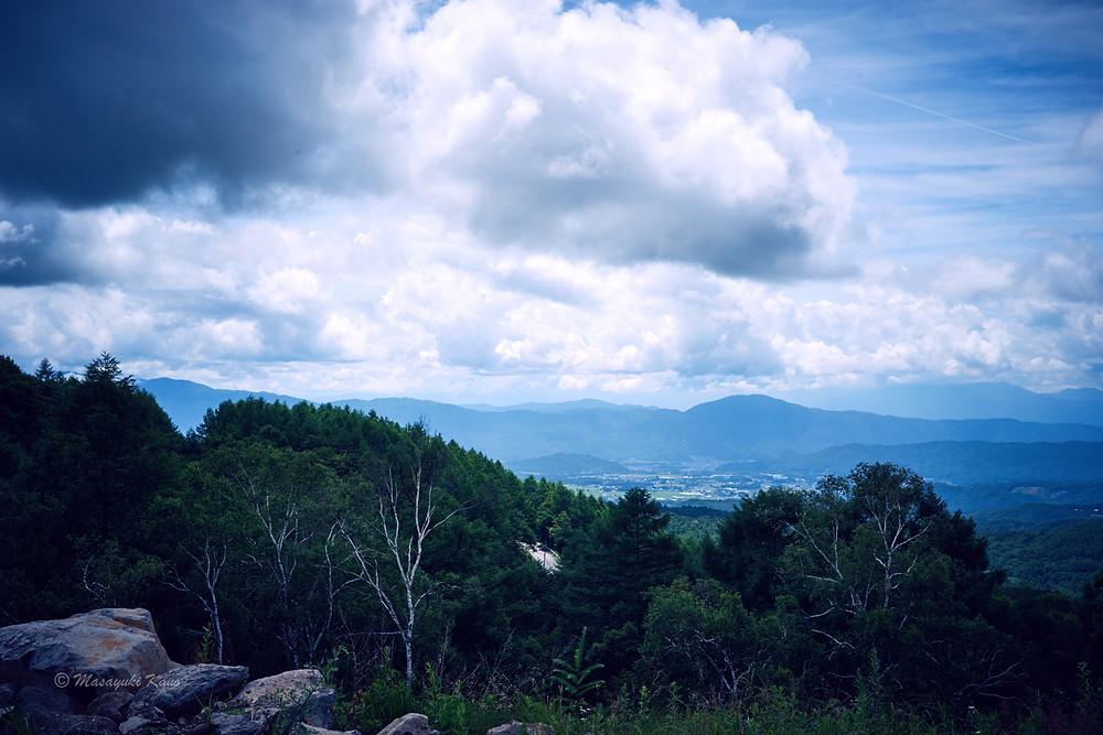 蓼科高原ピラタスの丘、花と散歩公園広場からの眺め