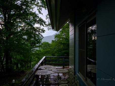 朝から晴れていたが、午後遅くに夕立があった。