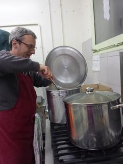 David prépare un couscous pour une prest
