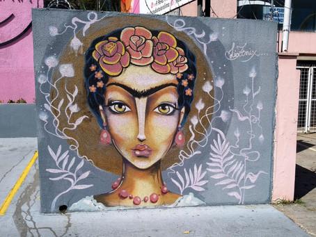 Aquele em que Frida Kahlo corta o cabelo