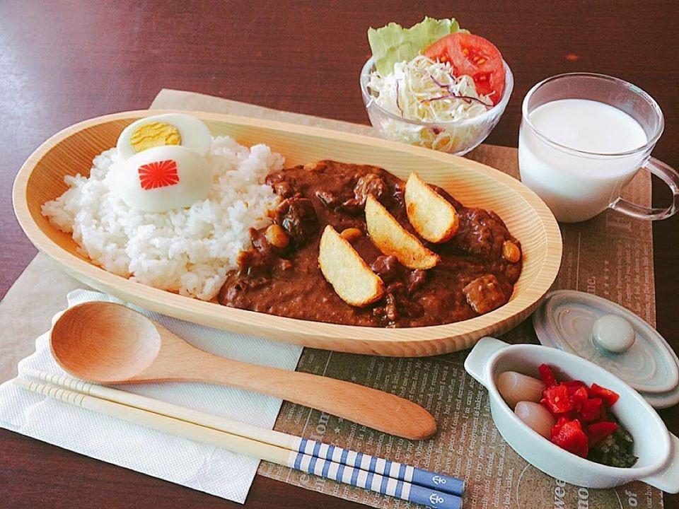 Tomotasu_curry.jpg