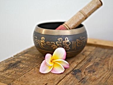 Reiki Hypnosecoaching56.com avec Anne-Flor Murienne retrouver l'équilibre de vos chakras pour vous sentir mieux dans votre peau, votre tête et votre âme. Reiki Vannes et Presqu'île de Rhuiz