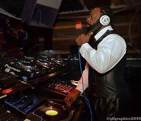 DJ Trevor Fox, turntable, cdj, dane, disco, classics, party, for hire