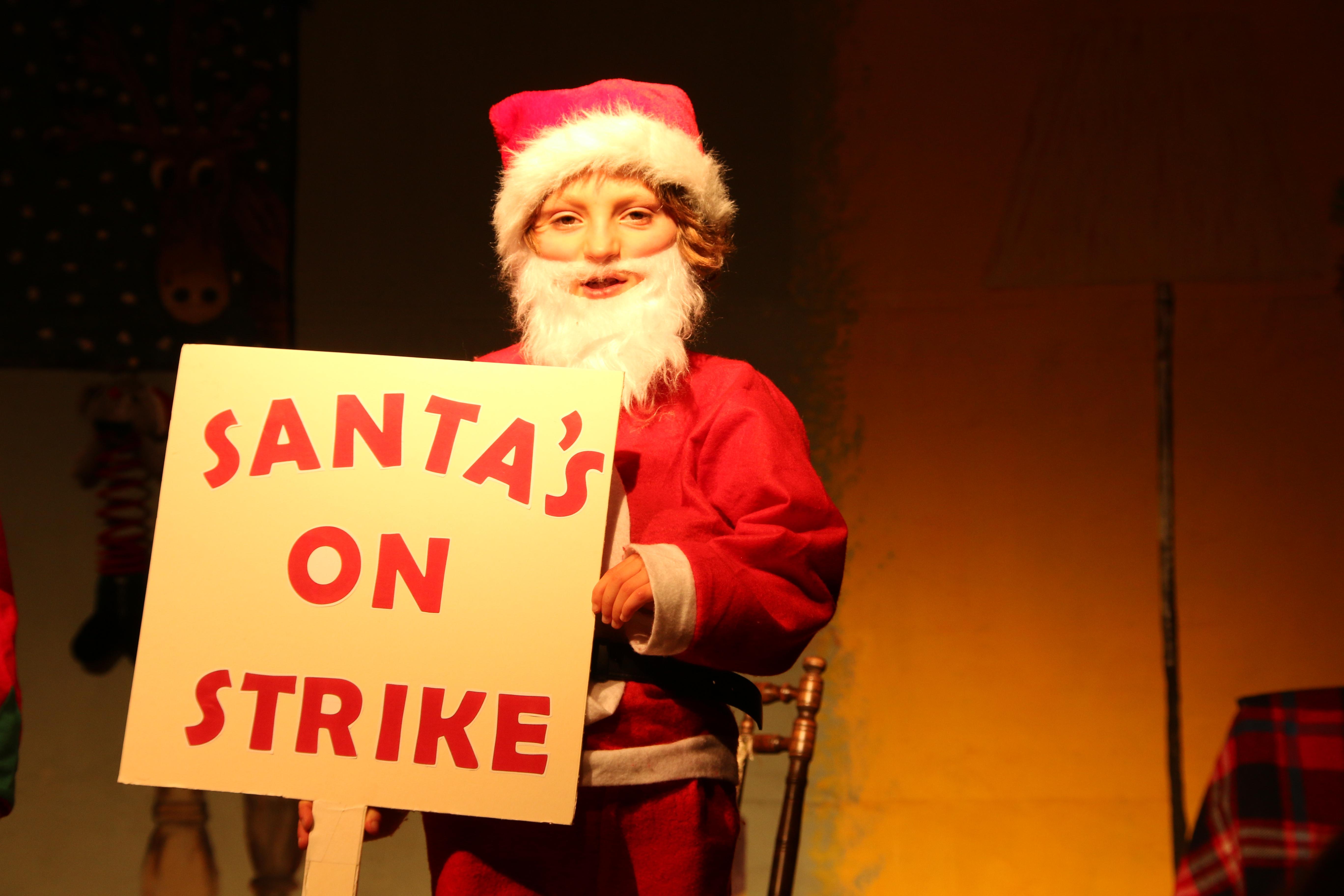 St Petroc's Santa's on Strike (23)