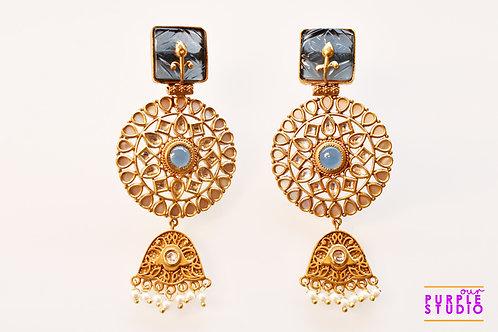 Exquisite Party Wear Golden Kundan Earring