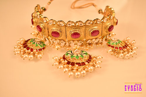 Golden Choker Set in Pink and Green