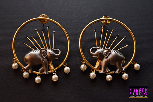 Smart Unconventional Elephant Earring