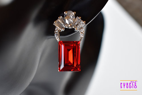 Unique Fashion Delight in Red Swarovski Stone