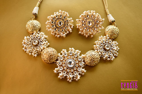Gorgeous Golden Polki and Pearl  Necklace Set