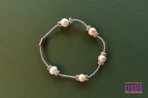 Flawless White Pearl Bracelet in a Silver Chain
