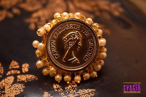 Golden Queen Elizabeth Ring