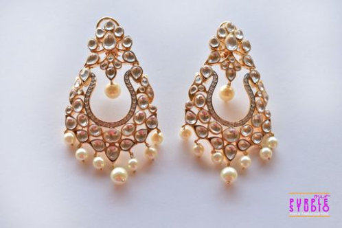 Royal Golden Splendor in Kundan and Pearl