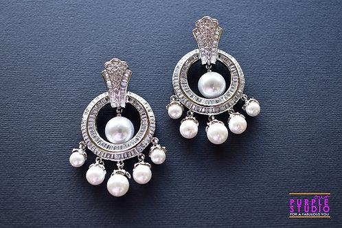 Unique Fashion Delight in Silver Tone and Pearl