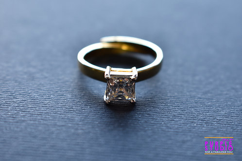 Beautiful Golden Swarovski Ring