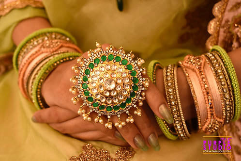 Stunning Green Ring in Kundan