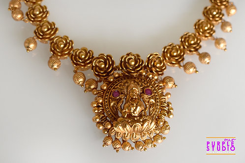Exquisite Golden Temple Necklace Set
