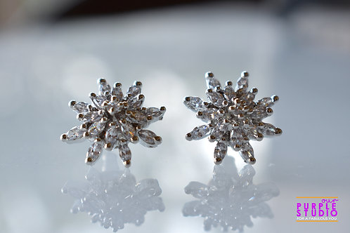Smart  Floral Silver AD Stud