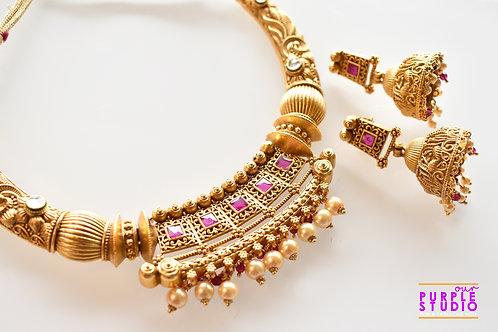 Ethereal Golden Hasli Necklace Set