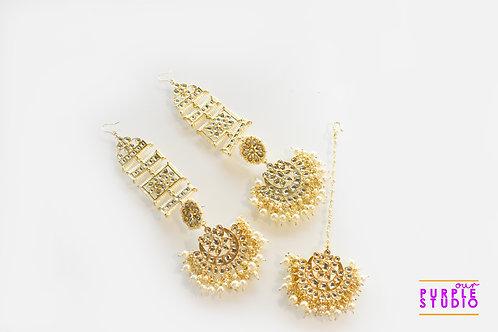 Beautiful Earrings and Maang Tikka Set