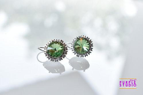 Light Wear Earring with Green Colour Semi Precious Stone Drop