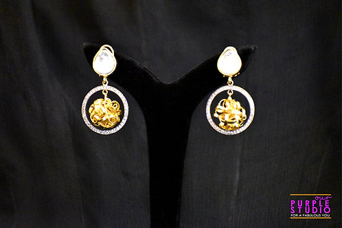 Kundan Earring with a Golden Meshed Ball