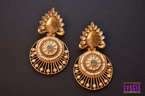 Gorgeous Golden Chandbali adorned with Kundan