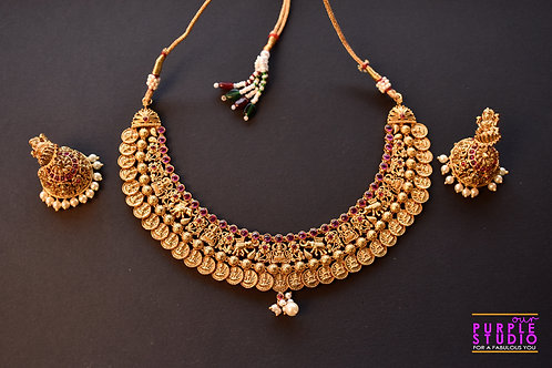 Gorgeous Golden Necklace Set with Pink Kemp Stones