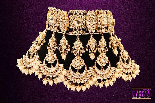 Statement Kundan Necklace  Set in White