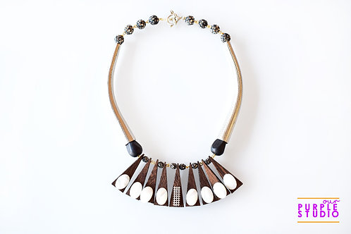 Trendy Necklace Set in a Wooden Look