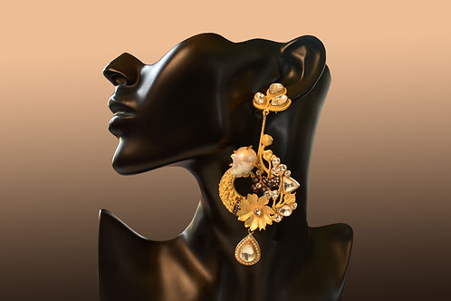 Handcrafted Delicate Golden Flower Earring
