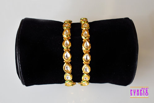 Sophisticated Pair of Kundan Bangles