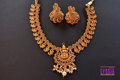 Gorgeous Golden Temple Necklace Set