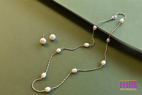 Youthful Pearl Necklace Set