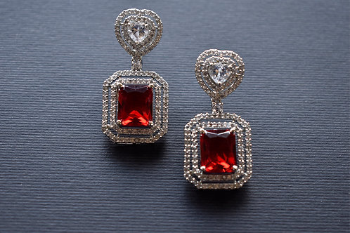 Sparkling Heart Shaped Red  Earring