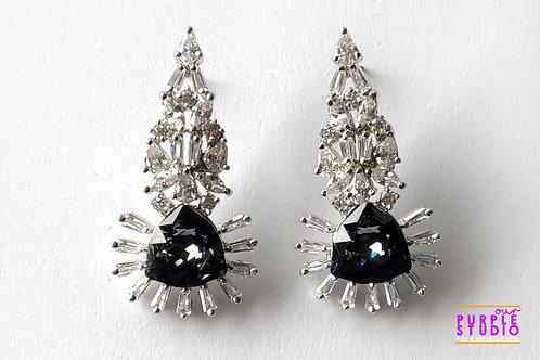 Unique Fashion Delight in Swarovski Black Stone