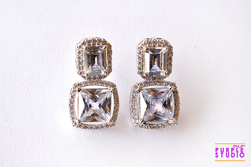 Sparkling Princess Cut Diamond Earring