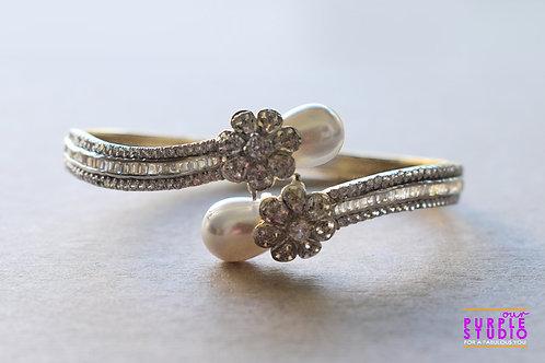 Elegant AD Bracelet with Pearl