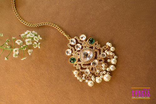 Bridal Maang Tikka in Kundan with a touch of Green