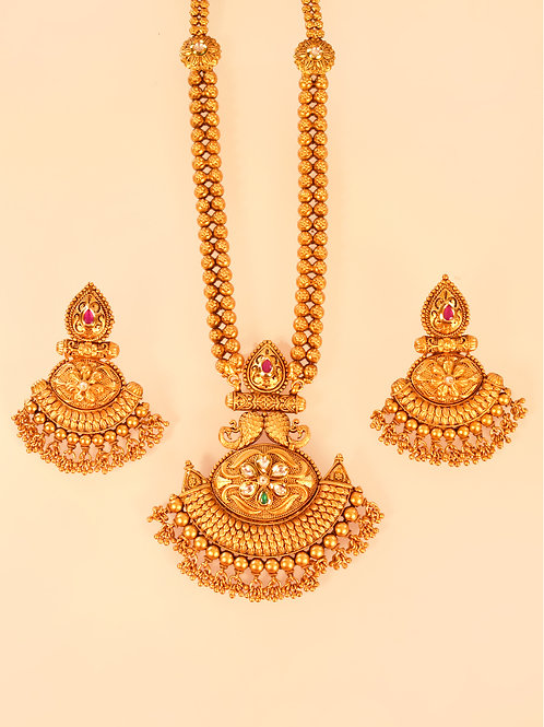 Captivating Golden Necklace Set