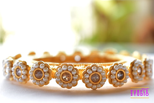 Gorgeous Golden Kada in Pearl