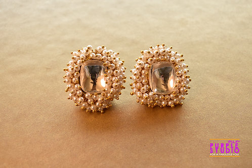 Smart Square Kundan Stud with small pearl embellishment