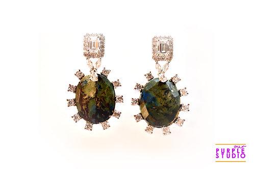 Unique Fashion Delight in Swarovski and Green Agate