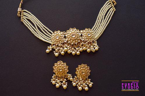 Gorgeous Golden Kundan and Pearl Choker Set