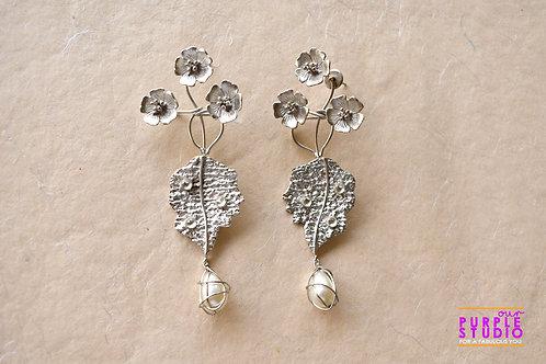 Contemporary Metallic Floral Earring
