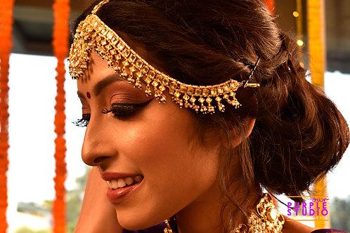 Gorgeous Kundan Maitha Patti with Green Beads