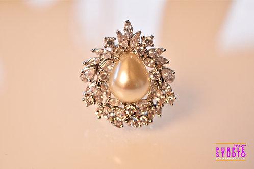 Opera Pearl Ring