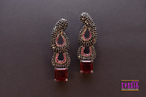 Showstopper Red Cocktail Earring in antique look